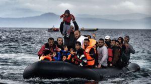 Refugiats-Lesbos-despres-Egeu-Turquia_1453664788_24990224_987x555[1]