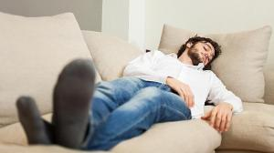 dormir-la-siesta-sofa