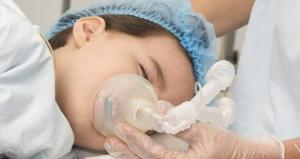 sick-child-receiving-oxygenjpg-1