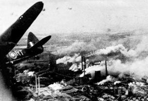 Resultado de imagen de bombardeo tokio segunda guerra mundial 1942